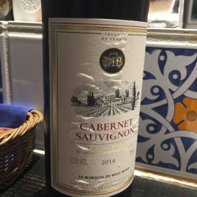 ボトルワインは欠かせません。カベルネソービニヨンが最近のお気に入りです。