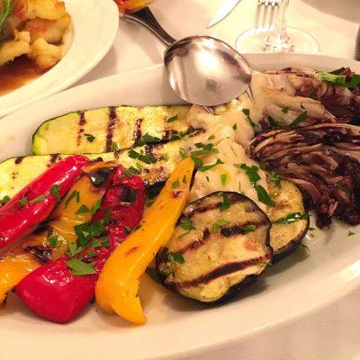 で、これも志賀が食いたいと言うから頼んだ野菜のグリル。たのんだ割にほとんど食っていないという・・・(`Д´o)
